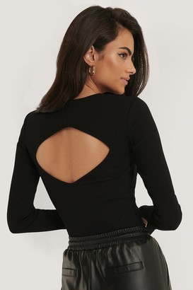 NA-KD Open Back Slit Sleeve Top
