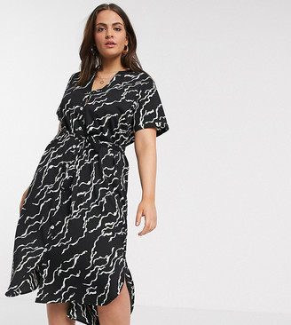 Vero Moda Curve midi shirt dress with belted waist in black abstract print
