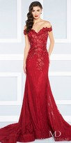 Mac Duggal Sweetheart Off the Shoulder Lace Applique Evening Gown
