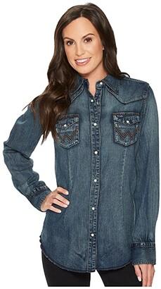 Wrangler Long Sleeve Snap Western Shirt (Denim) Women's Clothing