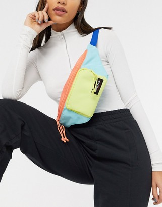 Eastpak bumbag with front pouch in colourblock