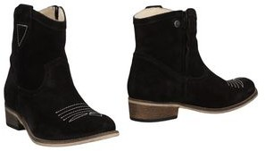 TWO CON ME by PEPE Ankle boots