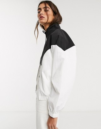 Fred Perry chevron shell jacket in white