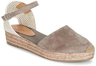 Betty London ANTALA women's Sandals in Brown