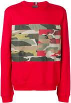 Tommy Hilfiger camouflage patch sweatshirt