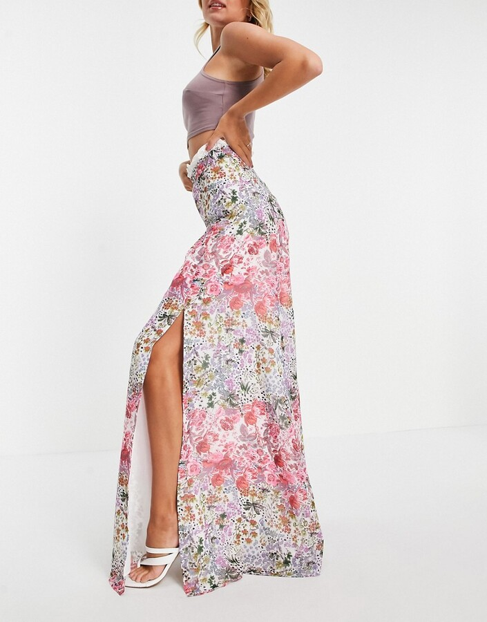 Hope & Ivy maxi skirt set with contrast lace and thigh split in floral