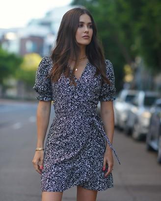 The Drop Women's Floral Print Puff Sleeve Wrap Dress by @paolaalberdi XXS