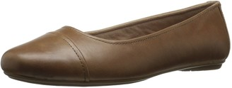Eastland Women's Gia Wide Flat Natural 7.5 W US