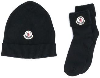 Moncler Enfant Ribbed Knit Logo Hat And Socks