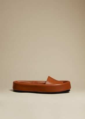 KHAITE The Venice Sandal in Caramel Leather