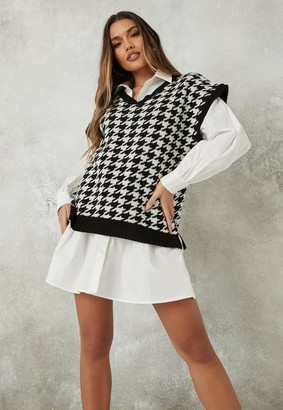Missguided Black Houndstooth V Neck Sleeveless Knit Tunic