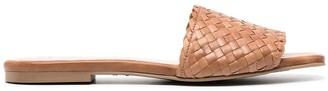 Pretty Ballerinas Isla woven sandals