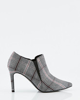 Le Château Check Print Pointy Toe Shootie
