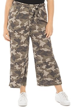 B Collection by Bobeau Curvy Plus Size Doris Leopard Print Cropped Pants