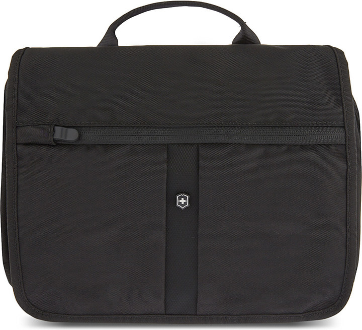 Victorinox Adventure Traveller RFID protected travel bag