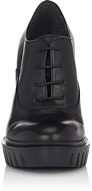 Barneys New York WOMEN'S LEATHER OXFORD PUMPS