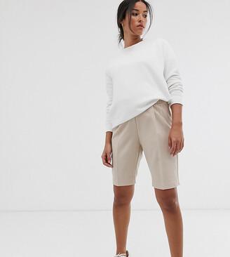 Asos DESIGN Maternity city shorts