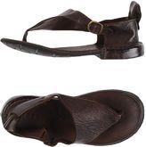 Antigua Toe strap sandals