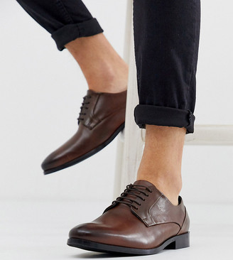 ASOS DESIGN Wide Fit lace up shoes in brown leather with natural sole