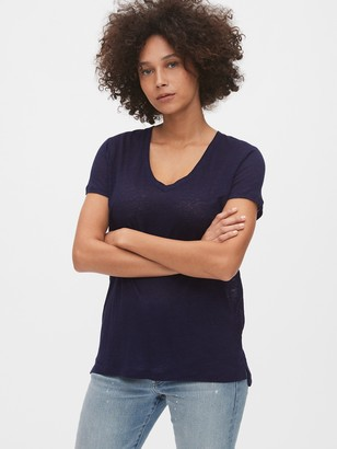 Gap V-Neck T-Shirt in Linen