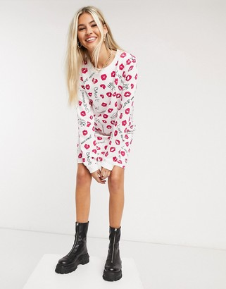 Love Moschino kisses print jersey sweater dress in white