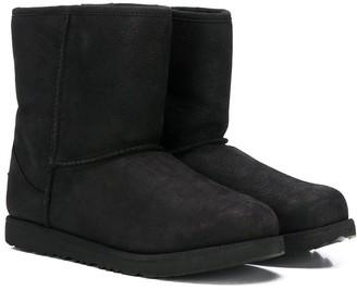 UGG Short 11 Waterproof Boots