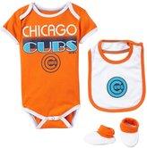 Majestic Infant Bib Bootie Creeper Set - Chicago Cubs - 24M