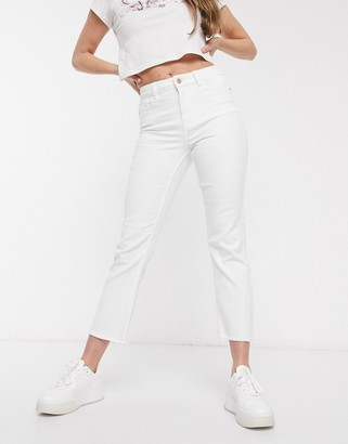 Pieces kick flare cropped jeans in white