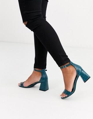 New Look low block heeled sandals in blue croc-Black