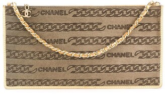 Chanel Pre Owned Chain Print Clutch Bag