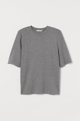 H&M Shoulder-pad T-shirt