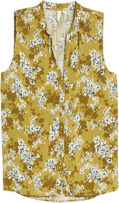 Treasure & Bond Floral Print Sleeveless Shirt