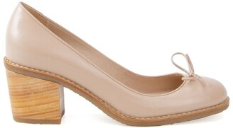 Sarah Chofakian Sandy leather pumps