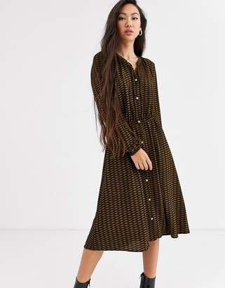 Only midi button through dress in geo print-Black