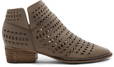 Seychelles Tame Me Booties in Taupe. - size 6.5 (also in 7.5)