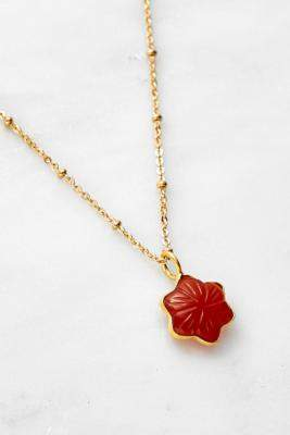 Mirabelle Carnelian Star Pendant Necklace - gold at Urban Outfitters