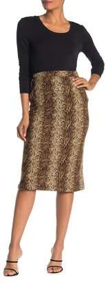 GOOD LUCK GEM Snake Skin Print Knit Knee-Length Skirt