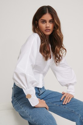 Stéphanie Durant X NA-KD Deep V-neck Big Arms Blouse