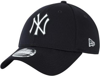 New Era Men's Navy New York Yankees Clubhouse 9FORTY Adjustable Snapback Hat