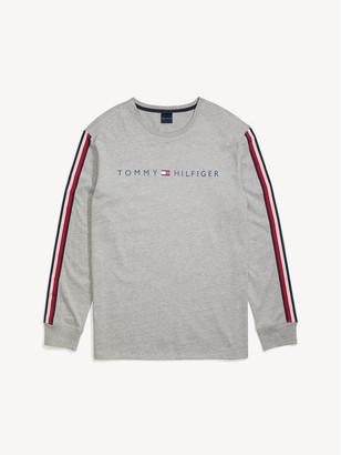 Tommy Hilfiger Long-Sleeve Logo T-Shirt