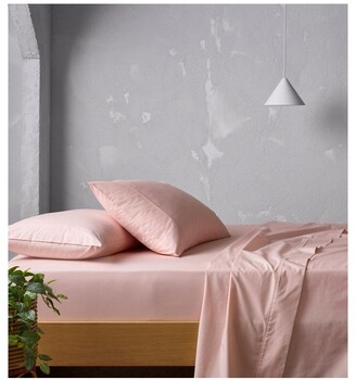 Vue 300TC Superfine Sheeting in Pink Pale Pink