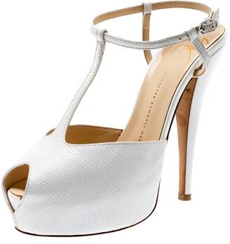 Giuseppe Zanotti White Lizard Embossed Leather T-Strap Platform Peep Toe Sandals Size 39.5