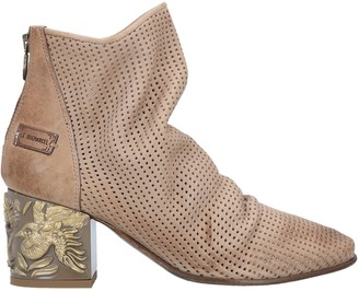 LE RUEMARCEL Ankle boots