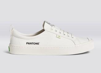 Cariuma OCA Low Pantone Snow White Canvas Contrast Thread Sneaker Women
