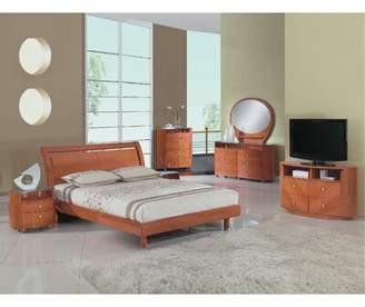 Latitude Run Bernstein Solid Wood 4 Piece Bedroom Set Latitude Run Bed Size: Queen, Color: Cherry