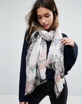 Alice Hannah Botanical Beauty Scarf