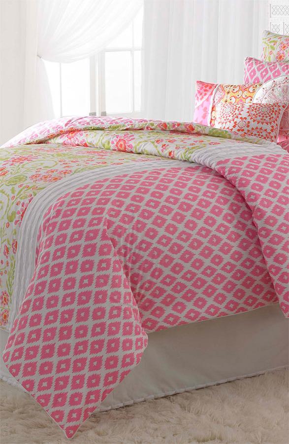 Dena Home 'Ikat Blossom' Comforter