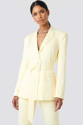 NA-KD Anna Nooshin X Belted Long Fitted Blazer Yellow
