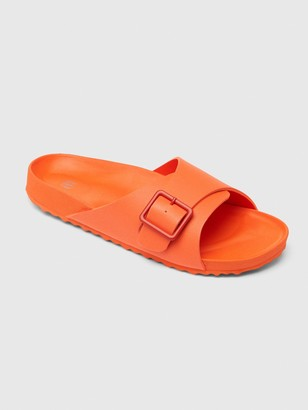 Gap Buckle Pool Slides
