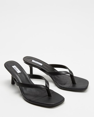 Dazie - Women's Black Flat Sandals - Thong Heels - Size 6 at The Iconic